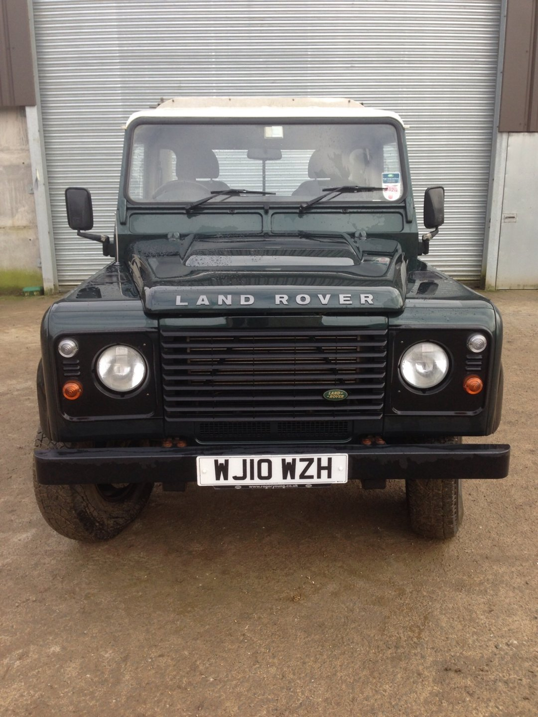 2010 land rover defender 90 pick up the farming forum. Black Bedroom Furniture Sets. Home Design Ideas