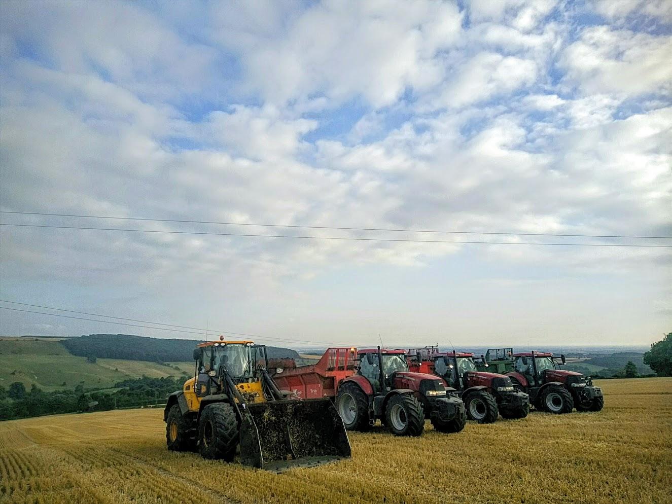 imag0076_1-3-tractor.jpg