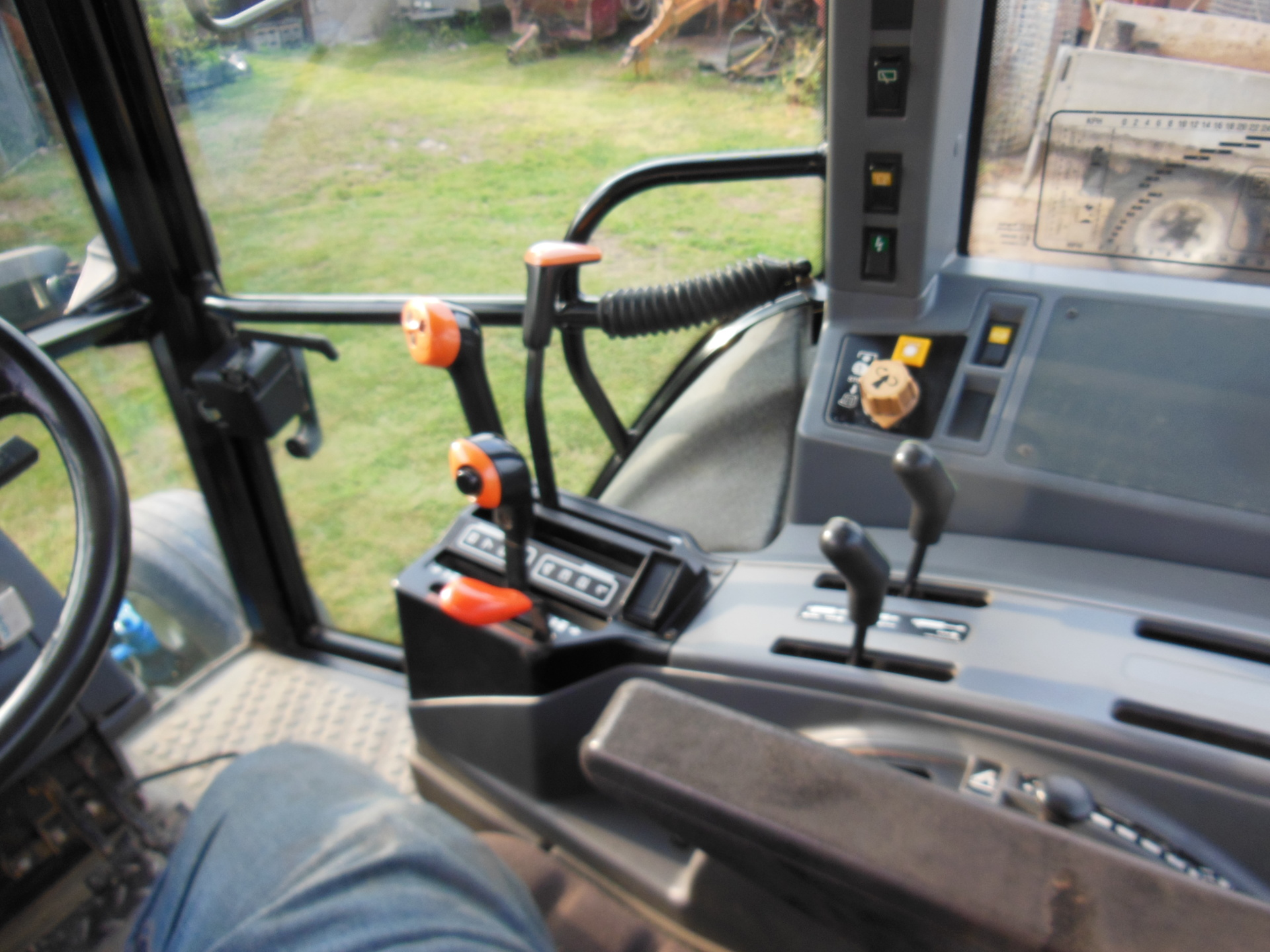 Ford New Holland 6640 2wd The Farming Forum